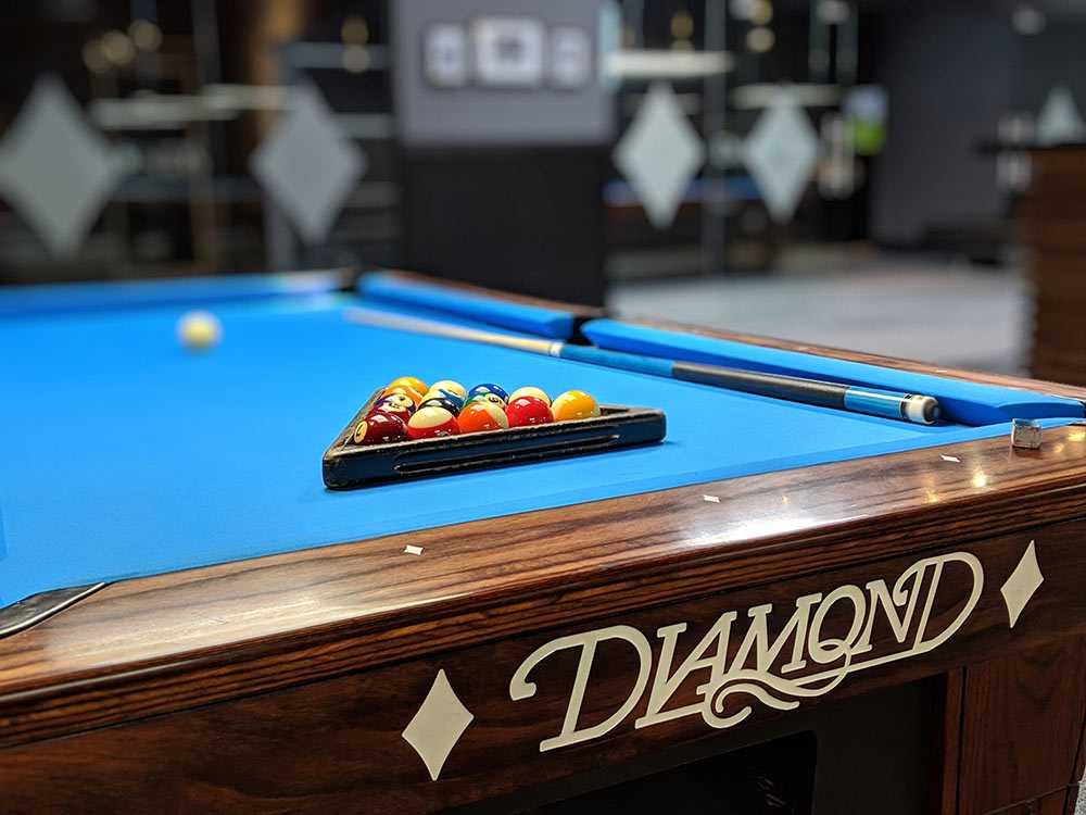 diamonds billiards 002 - Come down to Diamonds